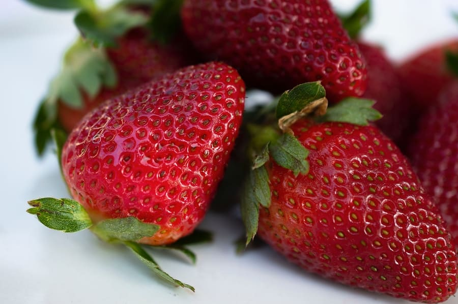 is strawberry low carb
