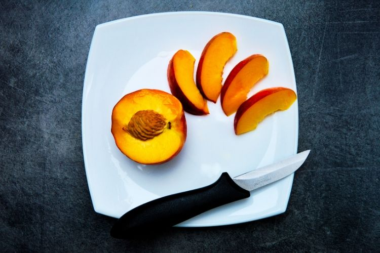 calories in peaches