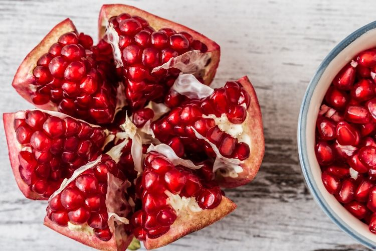 calories in pomegranate