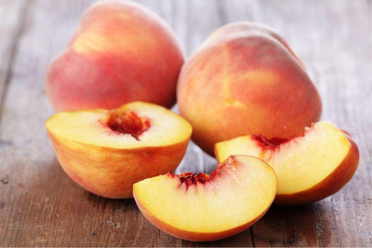 carbs in peaches