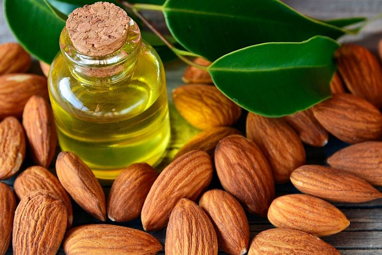 almonds calories oil